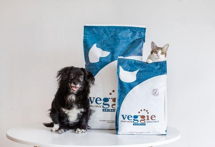 10 razones para dar VeggieAnimals a los perros que viven contigo